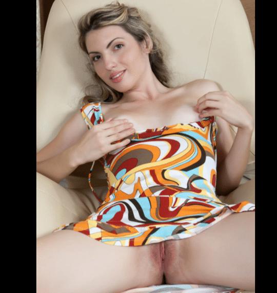 Nude-Gals & 12 meilleurs sites de photos porno comme NudeGals.com